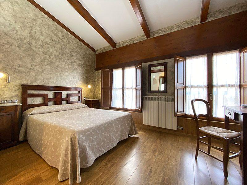 Habitación doble con cama de matrimonio