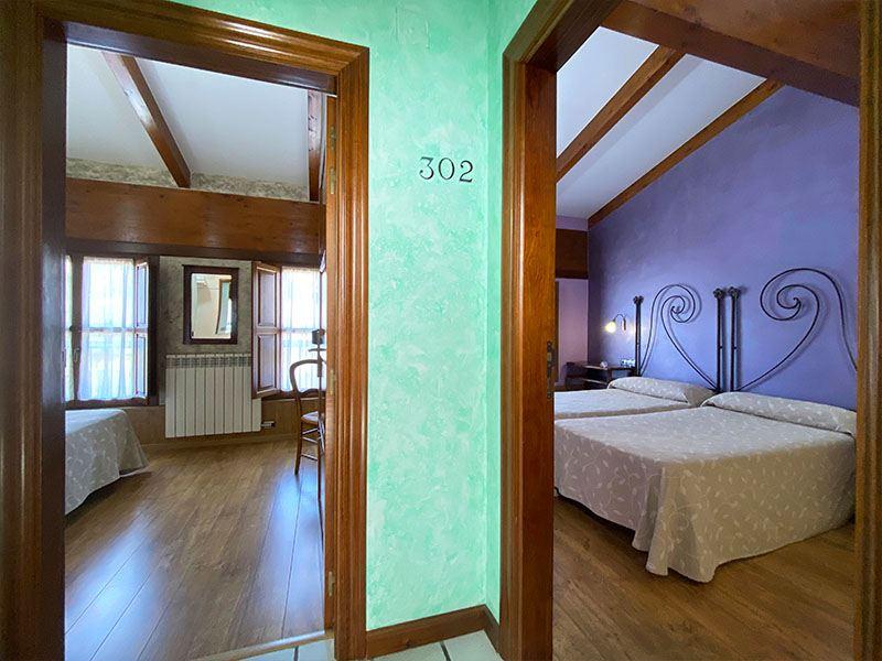 Habitación doble con dos camas de 90 cm x 190 cm